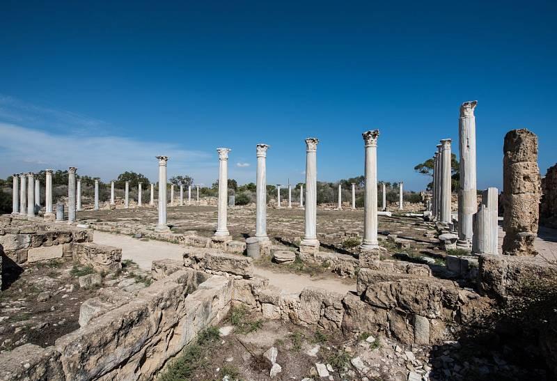 Poblíž města Famagusta se nacházejí trosky antického města Salamis.