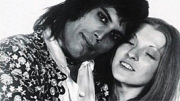 Freddie Mercury a Mary Austin.