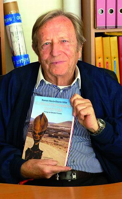 Majitel mumie Ramón Navia Osorio-Villar napsal onálezu knihu.