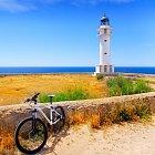 Oblíbeným cílem cyklistů je maják.