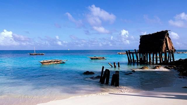 Pestrobarevné moře je africkým bonusem.