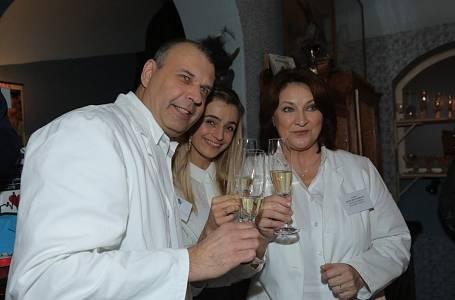 Protagonisté seriálu Ordinace v růžové zahradě 2 Petr Rychlý, Ivana Jirešová a Zlata Adamovská