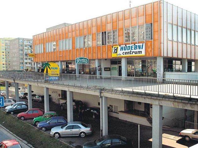 Na jednu stranu by podle radnice byla rekonstrukce KD Opatov příliš nákladná. Na druhou se ale uvažuje o tom, že tu vznikne zdravotnické zařízení.