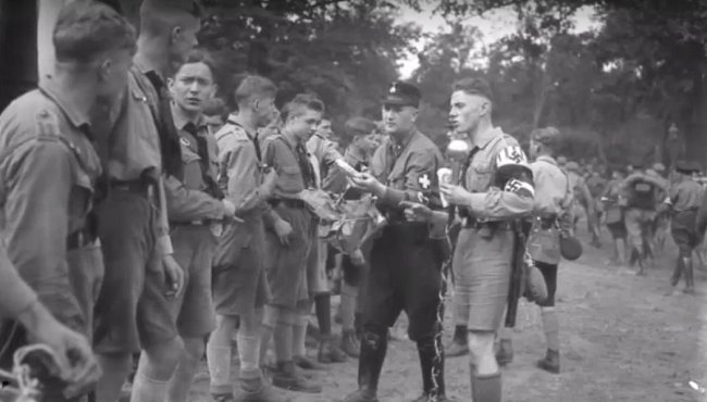Hitlerjugend jezdili velice často na tábory, kde se zdokonalovali v již naučeném.