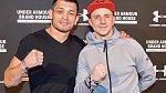 Jakub Štáfek se začal věnovat MMA po rozchodu s přítelkyní (Na fotce s Makhmudem Muradovem)