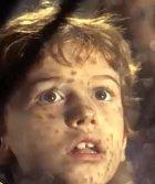 Malý Timothy je kluk, který miluje dinosaury a ví o nich první poslední. Vlastně trochu jako Spielberg v jeho věku. Nebojí se konfrontovat doktora Granta se svými poznatky a vyslouži si za to jeho pohrdání. Jeho znalosti se při úteku ohromně hodí.