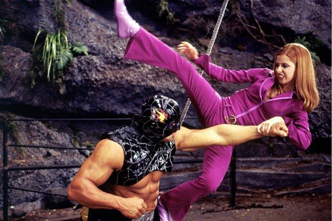 Bojová umění uplatnila v seriálu Scooby-Doo (2002).