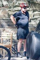 Russell má s váhou problémy už několik let.