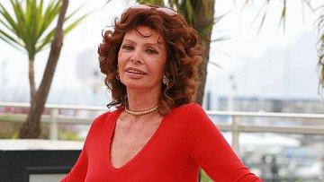 Pomohla si Sophia Loren k většímu šarmu plastikami?