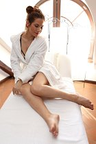 Eva Decastelo na klinice krásy
