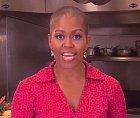 Michelle Obamová vypadá sama dost zděšeně...