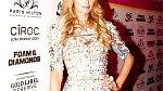 Paris Hilton se připravuje na roli matky.