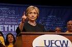 Hillary se po neúspěchu ve volbách na veřejnosti neukazuje tolik jako dřív.