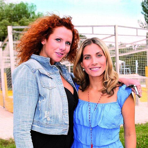Eva a Štěpánka Decastelo, dvě ženy jednoho muže. Jsou vážně takové kamarádky?