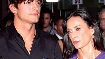 Ashton Kutcher plnil média i svým soukromým životem – jeho první manželkou byla o 15 let starší Demi Moore.