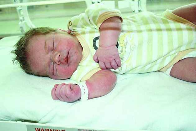 Sonička, první dítě odložené do babyboxu