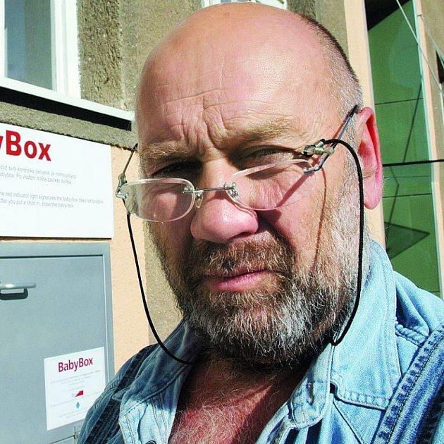 Zakladatel babyboxů Ludvík Hess má v plánu další rozšiřování záchranných schránek.