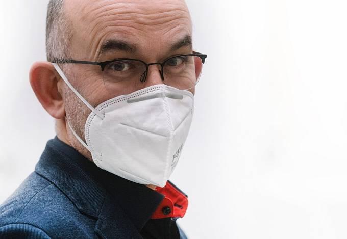 Ministr Jan Blatný vyhlásil opětovné prodloužení karantény.