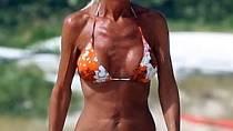 Donatella Versace je odporná sama o sobě, hromada plastik způsobila, že majitelka obří značky vypadá jako mumie.