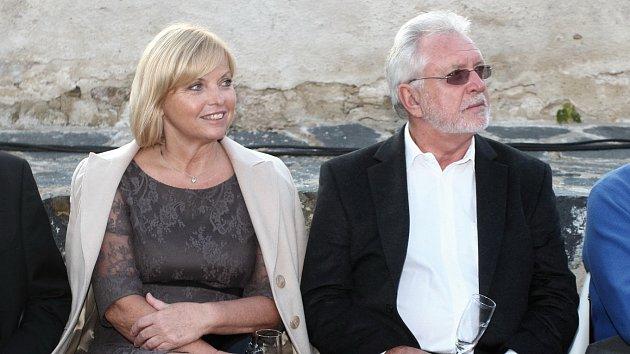 Jaromír Hanzlík se svou partnerkou Lenkou Kozlovskou.