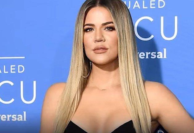 Khloe Kardashian platí prý za nejošklivější Kardashianku, ve vzhledu jí pomáhala kvanta plastu vobličeji.