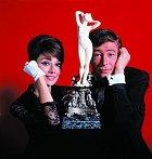 V komedii Jak ukrást Venuši (1966)vytvořil dvojici s Audrey Hepburn.