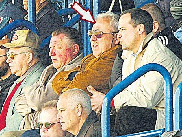 František Chvalovský, bývalý blšanský mecenáš, teď z tribuny nemusí vidět ani druhou ligu.