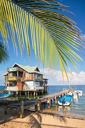 Ani taková restaurace není v Karibiku výjimkou.