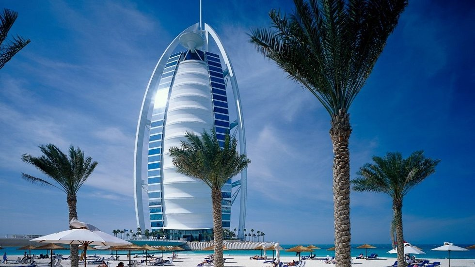 Nejluxusnější hotel světa Burdž Al Arab.