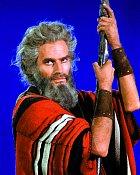 Jako Mojžíš vefilmu Desatero přikázání (1956)