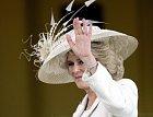 Změna klimatu se ale nijak nepodepsala na rodinných poměrech za zdmi Buckinghamského paláce, Meghan Markle stále zbrojí proti Kate Middleton a Camilla je stále nenáviděna všemi, od královnu po čeledína v královské stáji.
