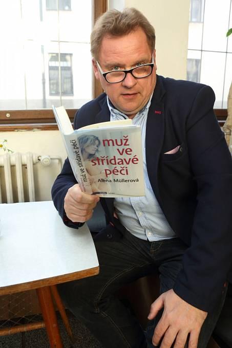 Václav Kopta na křtu knihy