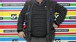 Mezi slavné hvězdy nízkého vzrůstu patří bezpochyby herec Roman Skamene, ten má jen 160 centimetrů.