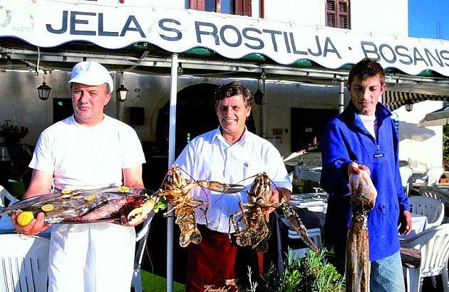 Jídlo je tu vynikající, převažují mořské plody a ryby na všechny způsoby.