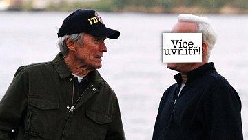Neuhádnete, s kým se to Clint Eastwood baví...