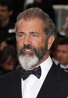 Mel Gibson na festivalu v Cannes svou vizáží všechny překvapil...