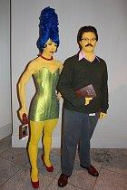 Flanders a Marge připomínající prostitutku...