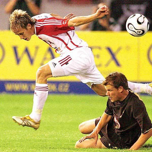 Loňské duely s Tottenhamem zažil třeba záložník Švec.