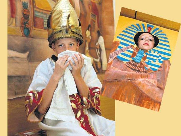 Kryštof ze Zlína (11) si hernu nemohl vynachválit. V kostýmu se cítil jako opravdový faraon. Plátna určená k mumifikaci navíc nádherně voněla.