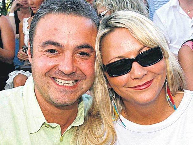 Martinu Zounarovi a jeho přítelkyni Simoně to spolu klape už pět let a přemýšlejí o svatbě.