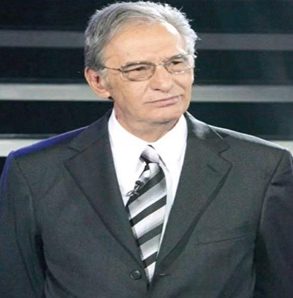 Oblíbený mexický herec Enrique Lizalde se objevil ve více než třiceti telenovelách a třiceti filmech. Slávu si vydobil už v sedmdesátých letech a role v Esmeraldě pro něj byla spíše zábavou ve vedlejší roli. V roce 2013 zemřel.