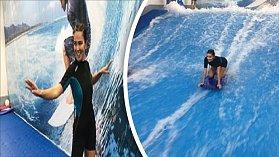 Z Andrey by byla krásná surfařka v tom upnutém neoprenu.