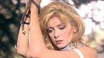 Předlohou byla Catherine Deneuve ve filmu Belle de Jour.