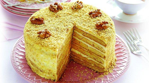 Ořechový dort s medem