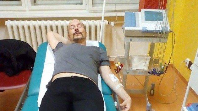 Bohuš Matuš v nemocnici na kapačkách. Jeho stav se prý lepší...