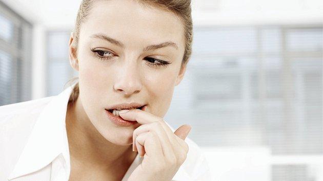 Jak přestat s kousáním nehtů?