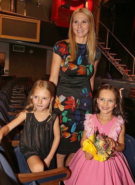 Ivana ijejí dcery jsou šťastné, že se tatínek uzdravil.