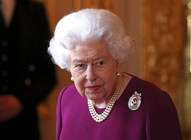 Královně lezlo chování Kate na nervy.