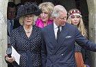 Princ Charles byl Camille jedinou oporou.