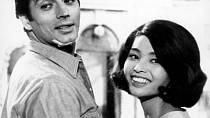 Vitalské komedii Akiko (1961) mu dělala společnost Akiko Wakabayashi.